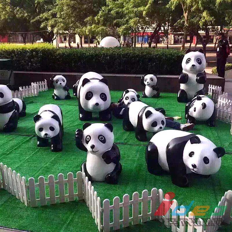 小熊貓雕塑.jpg